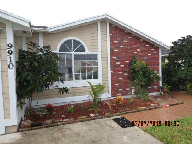9910 Heather Lane, Hollywood, FL 33025
