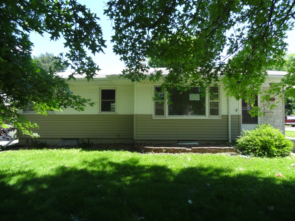 1712 S 5th St, Marshalltown, IA 50158