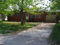 556 Richmond Dr., Madisonville, KY 42431