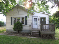 2964 Seebaldt Ave, Waterford, MI 48329