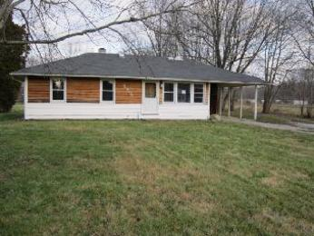5984 Newtonsville-Hutchinson Rd, Batavia, OH 45103