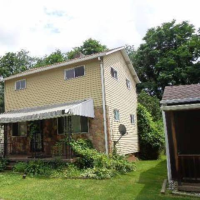8 Trump Ave, Uniontown, PA 15401