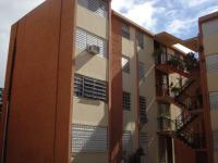 Edificio D44 Apt 207 Los Naranjales, Carolina, PR 00985