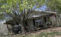 1121 E Gooseneck Rd, Sparta, TN 38583