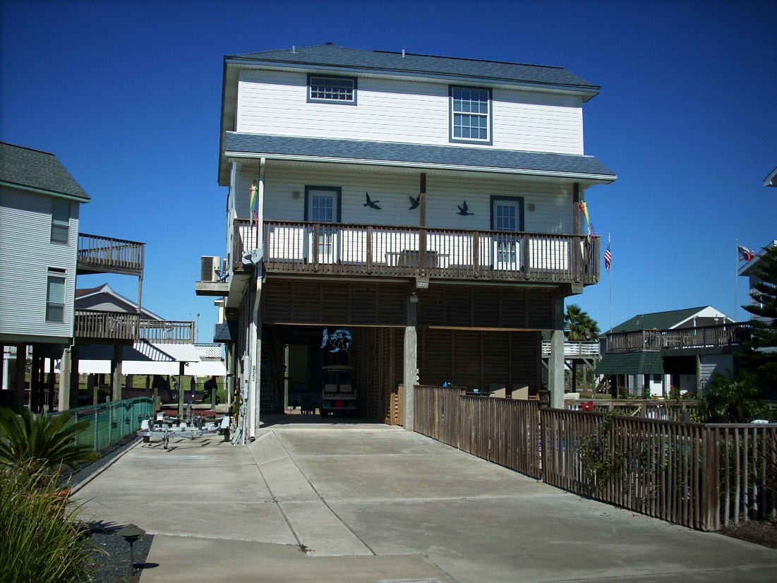 1226 maui drive tiki island tx 77554 foreclosed home