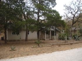207 CHEYENNE DR, SMITHVILLE, TX 78957